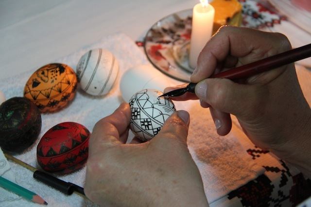 a arte dos ovos decorados ucranianos: Pêssanka