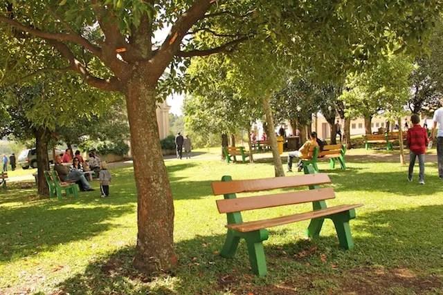 área verde que cerca o Santuário