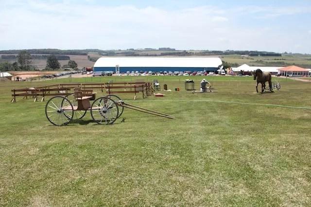o pavilhão ao fundo onde acontece o Festival das Tortas
