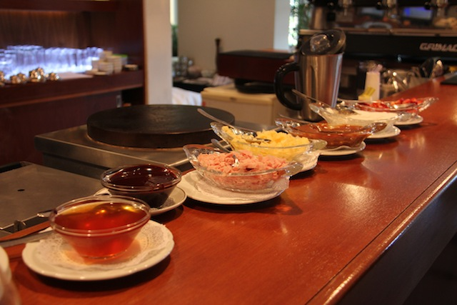 mesa para preparo dos waffles e crepes