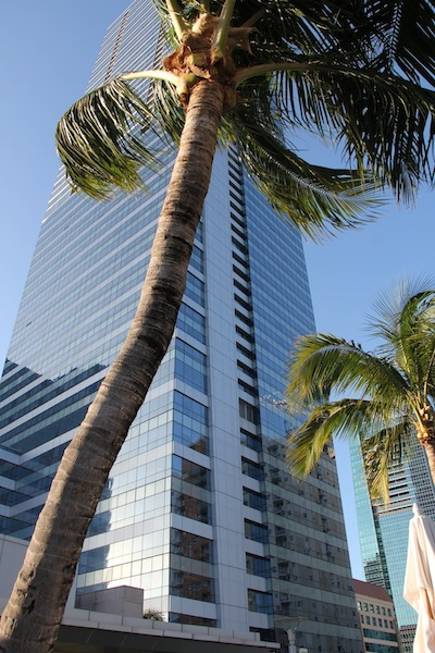 O prédio do Four Seasons em Miami