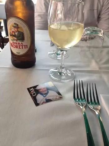 Uma cerveja e um cálice de vinho para se despedir de Cinque Terre!