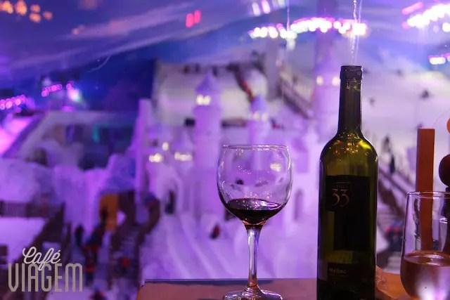 vinho e neve, boa pedida no restaurante