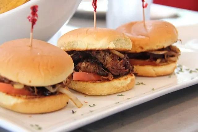 hummm… mini hambúrguer de yaca frita