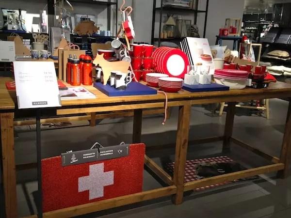 Ainda no setor de decoração da Globus, vários souvenirs da Suíça que amei!