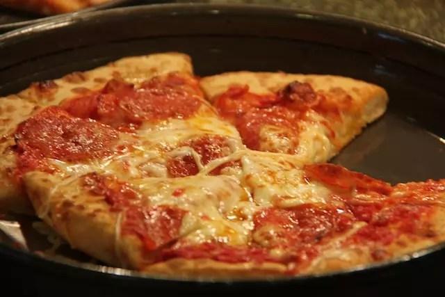 optamos pelo restaurante italiano com opções de massas, saladas e pizzas à vontade, mas tudo com um sabor bem americano