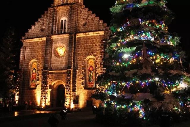 Show de Acendimento de luzes ao lado da Igreja de Gramado