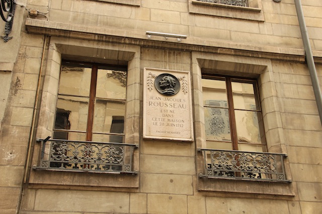 Espaço Rousseau na Grand Rue (rua que também concentra atrações literárias