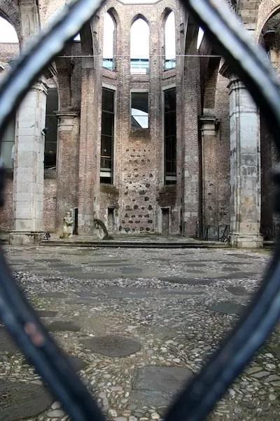 Uma das inúmeras igrejas antigas de Colônia