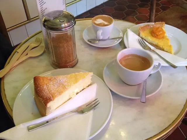 programa típico da tarde: café com torta !