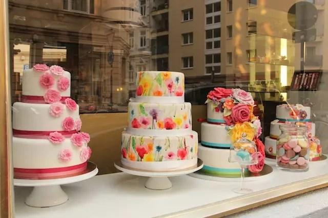 Madame Miam Miam no Bairro Belga - famosa por seus bolos decorados: na Antwerpener Straße 39,