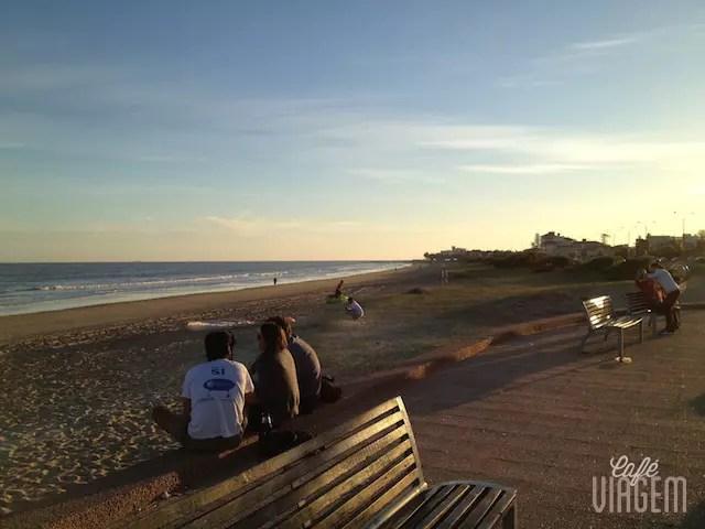 A praia de Carrasco ao entardecer.