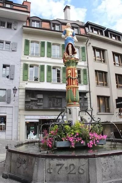 Place de La Palud - o coração de Lausanne