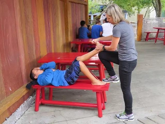 pausa para uma massagem e alongamento. No fim do dia, câimbras
