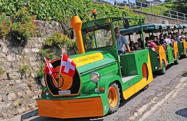 O trenzinho de rodas do Lavaux Express. Crédito Foto: stie www.lavauxexpress.ch