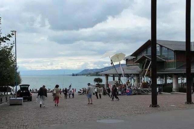 No animado calçadão de Montreux