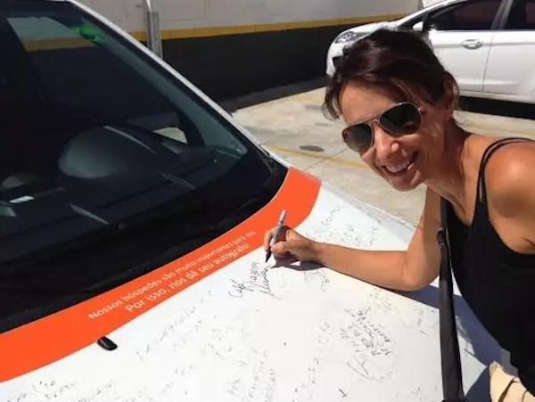 Os hóspedes assinam o carro da Hotelhome. E o Café Viagem também assinou!