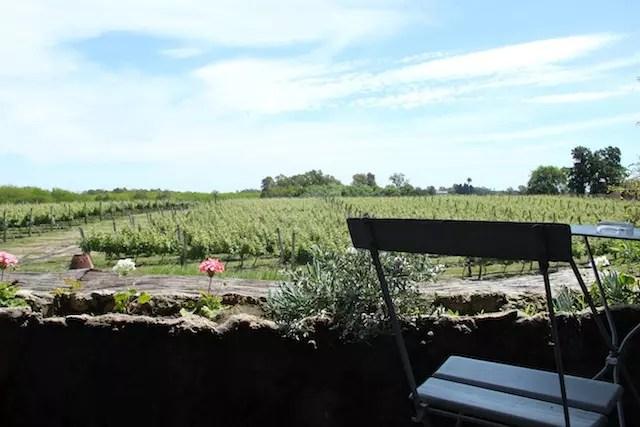 varanda de quem se hospeda em uma das suítes do Wine Lodge