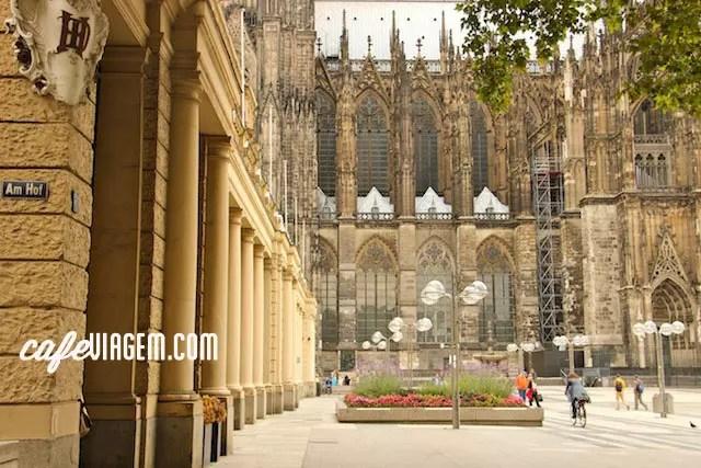 O ponto de partida é ao redor da Catedral onde também está situada a estação central de trem e um completo posto de informações turísticas