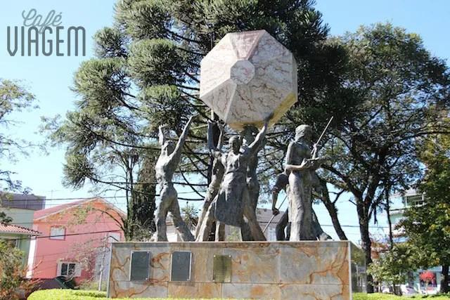 monumento do Cooperativismo na Praça das FloresNova Petrópolis