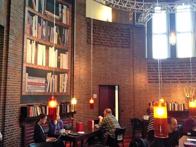 Dica do Café Viagem: não deixe de visitar os cafés dos museus, são lindos. Este é o do