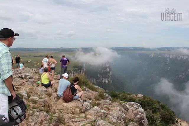 chegando ao topo do mirante minutos antes das nuvens tomarem conta da paisagem