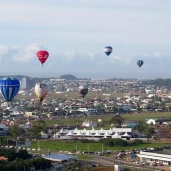 Abril tem Festival de Balonismo em Torres. Foto jairo Pereira Balonismo Torres (21)