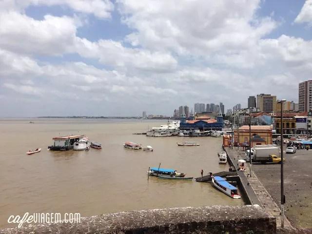 A área do mercado vista do Forte do Presépio, um dos pontos turísticos da Cidade Velha