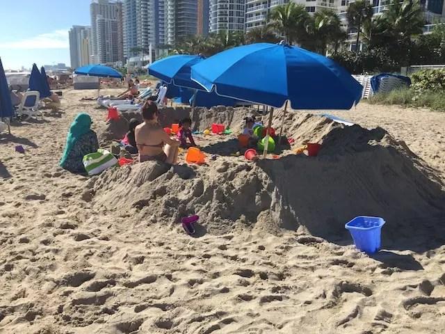 Curtindo a praia do hotel Double Tree by Hilton