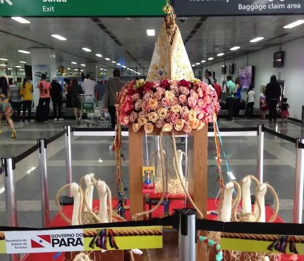 No aeroporto, recepção para festa do Círio