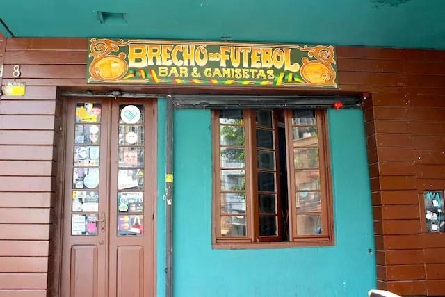 bacf96d4a Visitando a comida e a Rua do Futebol em Porto Alegre
