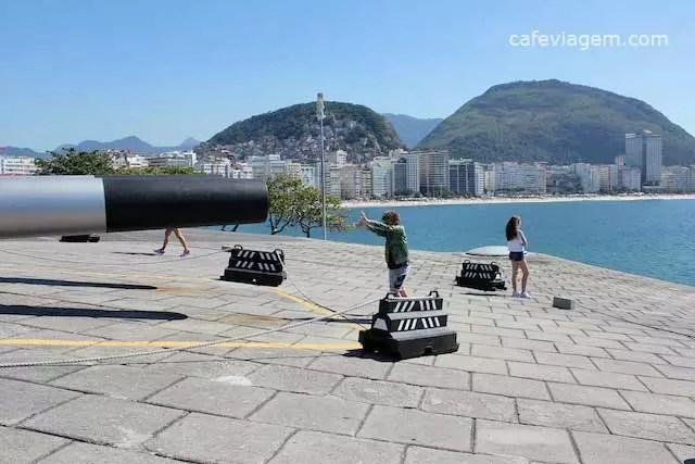 cafe da manha na Confeitaria Colombo do Forte de Copacabana