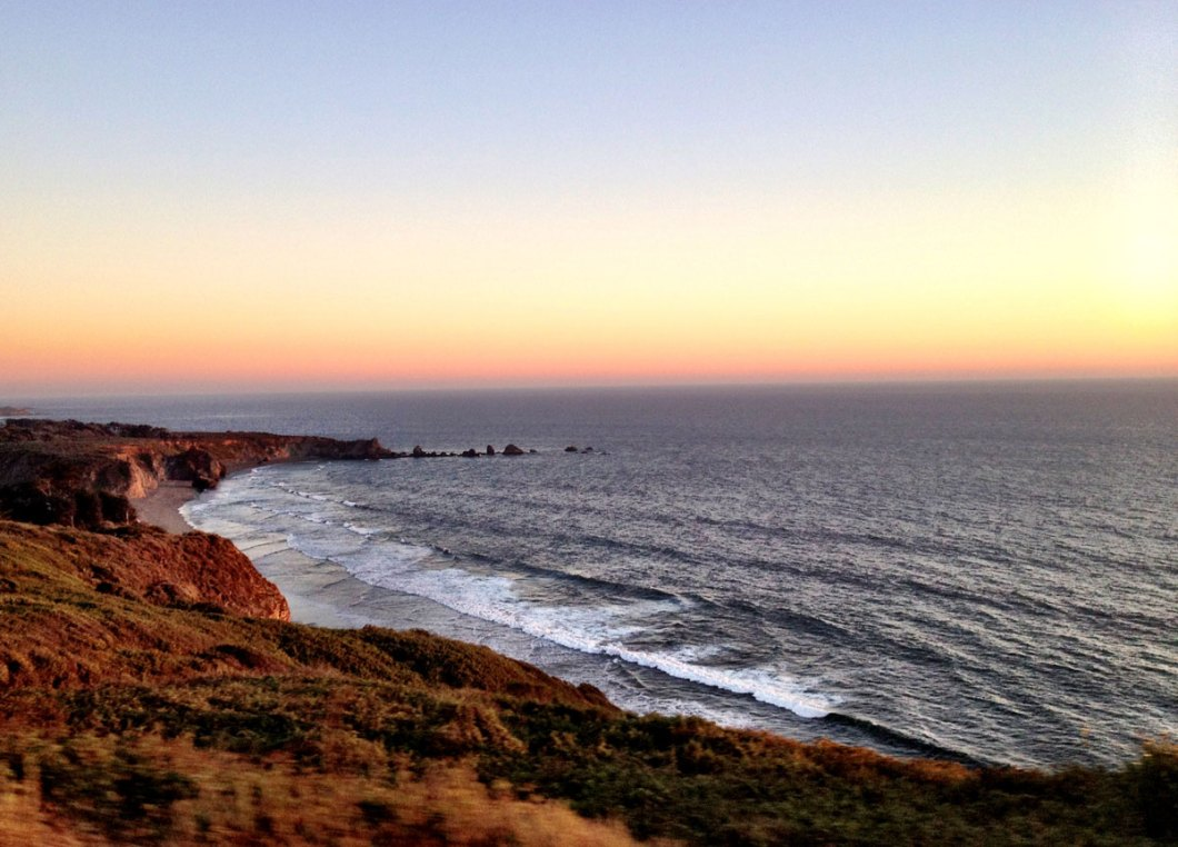 Estrada na costa da Califórnia