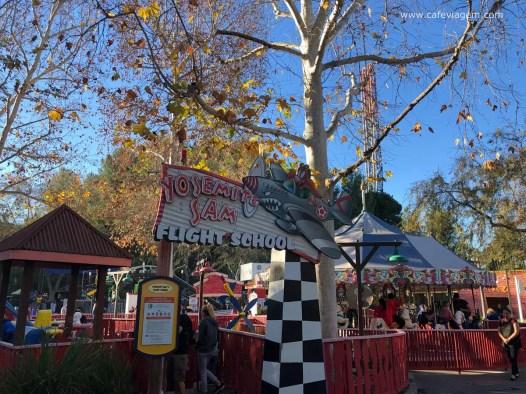 a área do Pernalonga no Six Flags para crianças menores
