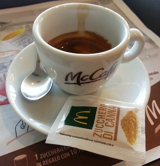 regram @casanova_artcoffee_mt Mc Cafe ☕  Caffè fatto con macchina alla giusta temperatura, servito con gentilezza. Dal corpo armonioso e dal buon retrogusto al palato. Voto: 7,5