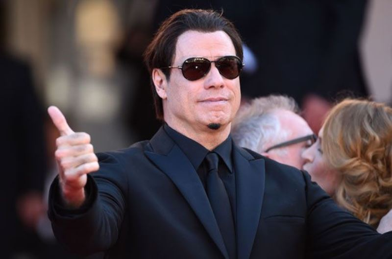 John Travolta Senza Capelli Sui Social Caffeina Magazine