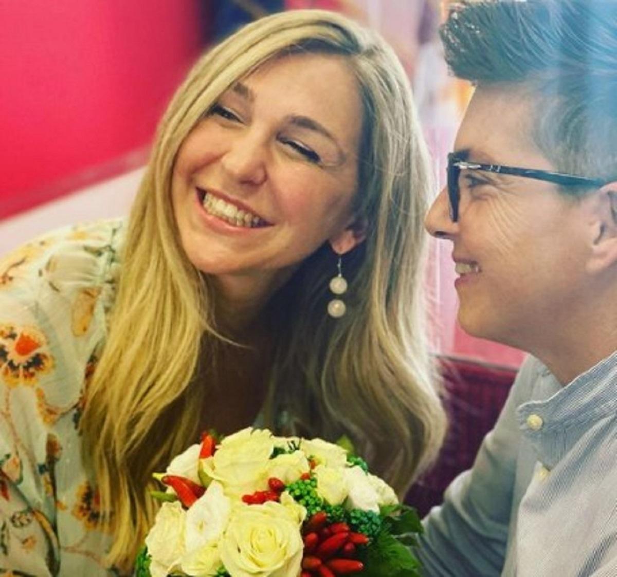 Ambra Angiolini testimone nozze amiche critica