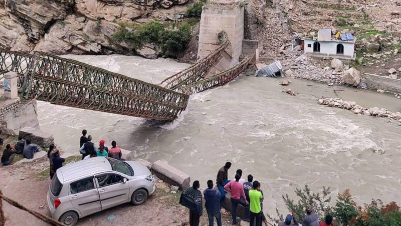 frana india crollo ponte