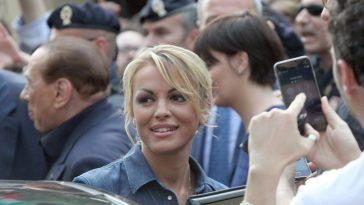 """""""È arrabbiato con me…"""". Francesca Pascale, cosa succede con Silvio Berlusconi: """"Ma io ho deciso"""""""