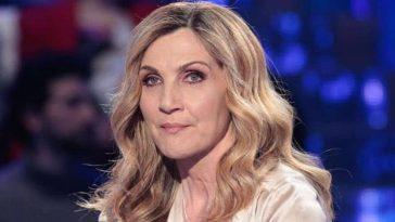 """""""Perché ho scritto quel messaggio"""". Raffaella Carrà, Lorella Cuccarini vuota il sacco. La verità dopo le polemiche"""