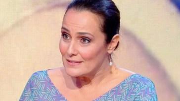 """""""Ma posso dire ciò che penso?"""". Raffaella Carrà, bufera su Roberta Capua: """"Non mi riferivo a lei…"""""""