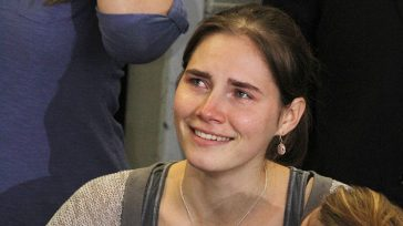 """""""Finalmente ce l'abbiamo fatta"""". Amanda Knox, poche settimane dopo l'aborto la bella notizia"""