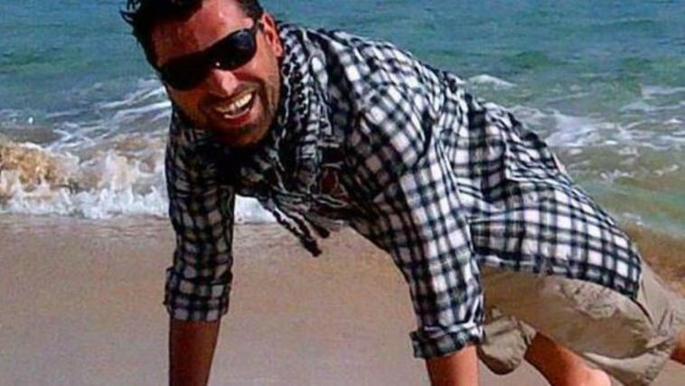 Lo schianto e i soccorsi inutili: Alberto, una vita a spezzata a 42 anni. Lascia due bimbe piccole