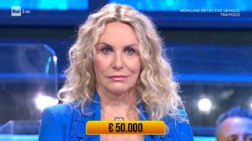 """""""Ma com'è possibile?"""". I Soliti Ignoti, Antonella Clerici lascia tutti senza parole: Amadeus non crede ai suoi occhi"""