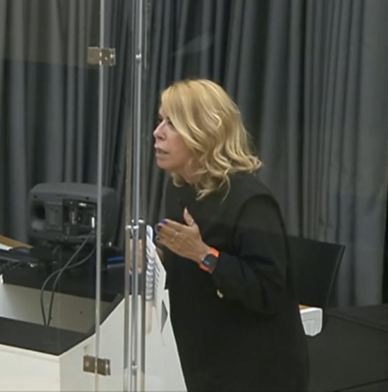 アンナ・ペティネリ・フリアアミチ・インダー・ルーリング