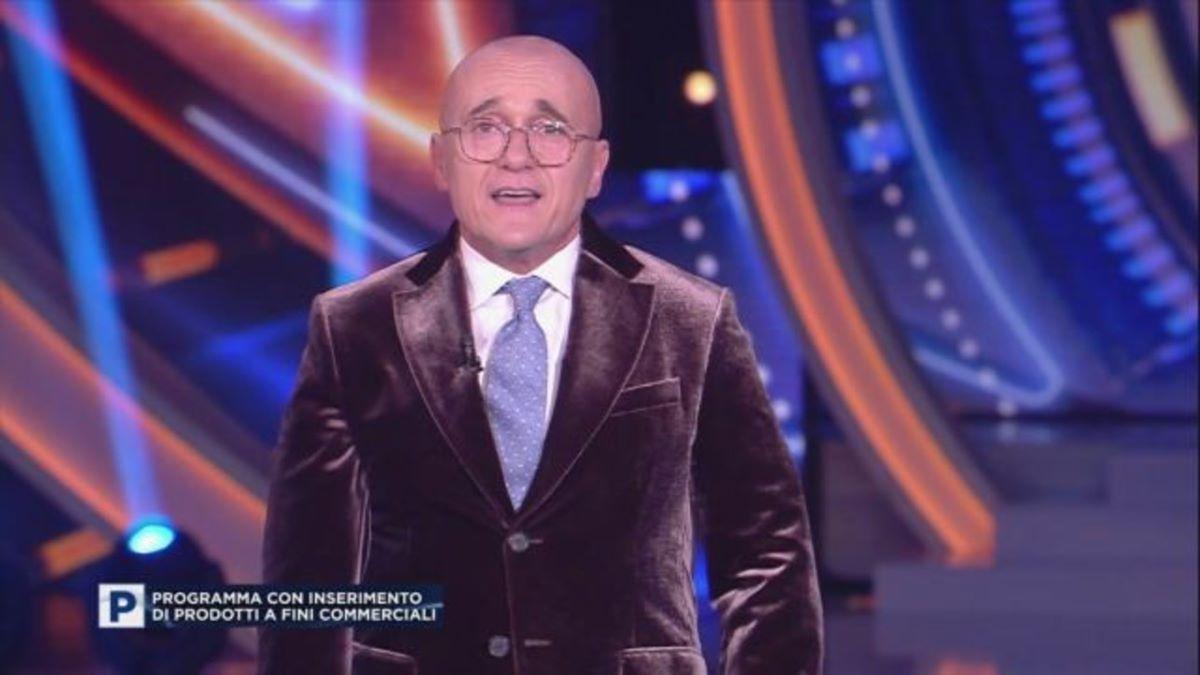 """""""Non ci sarà"""". Grande Fratello Vip 6, la decisione di Mediaset. Delusione per Alfonso Signorini e per il pubblico"""