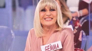 """""""Un bacio lunghissimo, roba di minuti"""". Bomba Gemma Galgani a Uomini e Donne: è successo tutto con lui"""