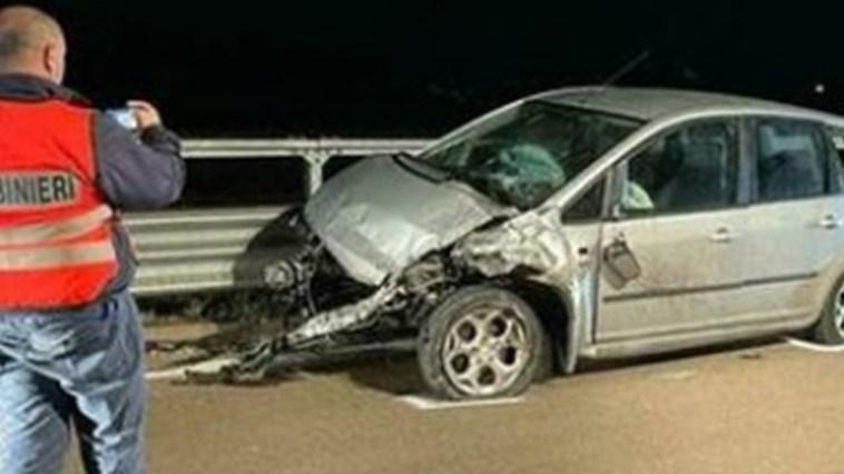 Tragedia sulla statale. Elisa, 19 anni, muore sul colpo nella notte: sbalzata fuori dall'auto