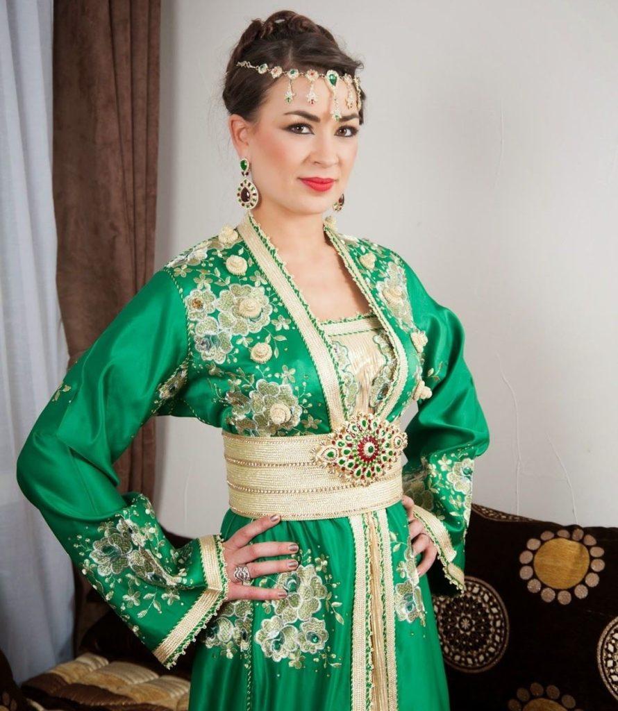"""Caftan de mariée vert à louer en ligne """"class ="""" wp-image-1154 """"srcset ="""" https://www.caftans-marocains.com/wp-content/uploads/2019/06/Caftan-de-mariage-vert 890x1024.jpg 890w, https://www.caftans-marocains.com/wp-content/uploads/2019/06/Caftan-de-wedding-green-to-leave-in en ligne 261x300.jpg 261w, https: // www. caftans-marocains.com/wp-content/uploads/2019/06/Caftan-de-wedding-green-to-line-online-768x884.jpg 768w, https://www.caftans-marocains.com/wp-content /uploads/2019/06/Caftan-de-mariage-vert-l--louer-en-ligne.jpg 1098w """"tailles ="""" (largeur maximale: 890px) 100 vw, 890 px"""