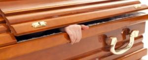 Tafofobia. La paura di essere sepolti vivi, tanta gente si risveglia durante il funerale